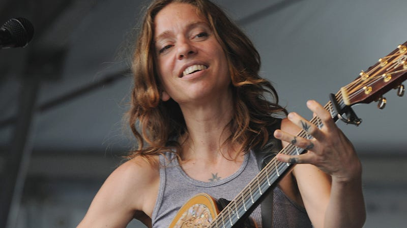 Illustration for article titled Ani DiFranco Cancels Songwriting Retreat At Former Slave Plantation