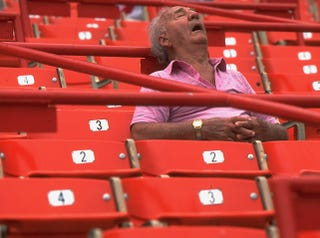 Illustration for article titled Fans Sleeping At The Ballpark