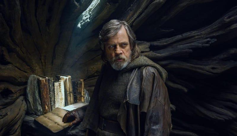 """Illustration for article titled Mark Hamill se arrepiente de haber criticado The Last Jedi: """"solo quería hacer una buena película, y fue aún mejor"""""""