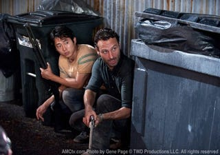 Illustration for article titled The Walking Dead Photos