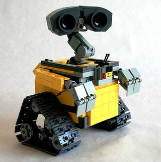 Illustration for article titled Wall-E Animator Tops Everyone Who Ever Wanted to Make a LEGO Wall-E