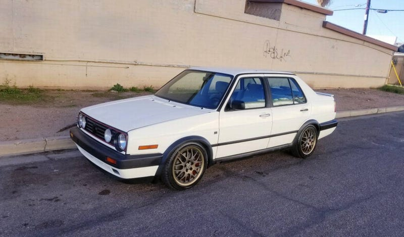 Illustration for article titled For $2,500, Is This 1991 VW Jetta VR6 A Steal, Or A Scam?