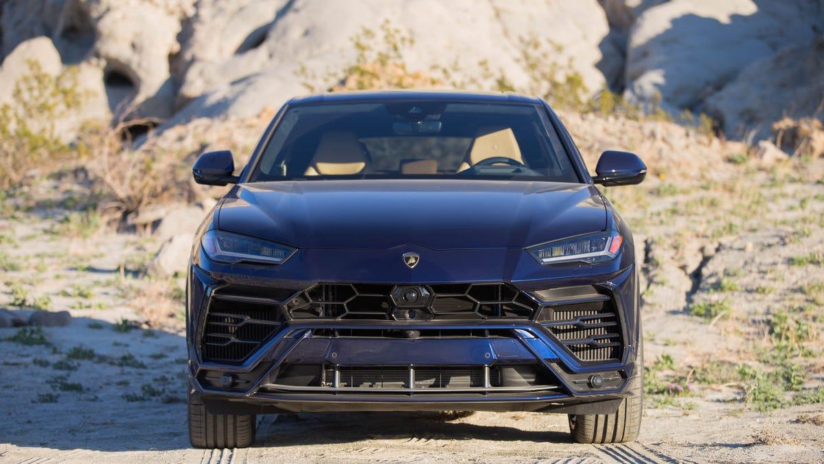 The 2019 Lamborghini Urus Drives Like the Vengeful King of
