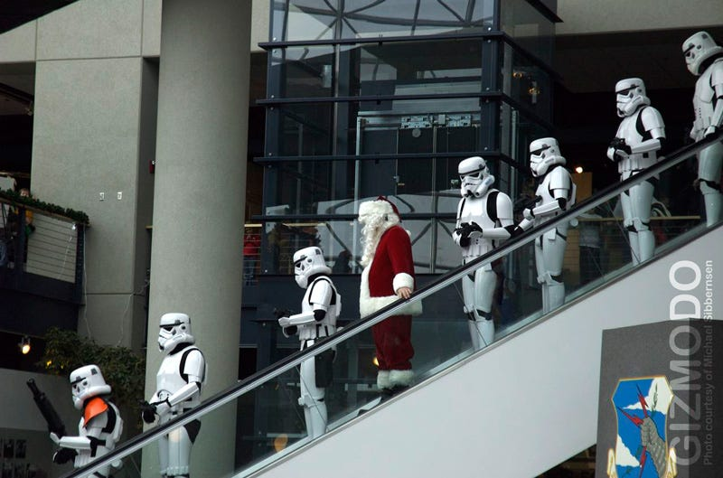 Illustration for article titled Imperial Stormtroopers Arrest Santa, Emperor to Take Over Xmas