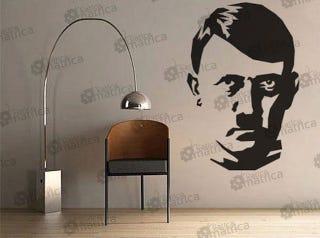 Illustration for article titled Leszedték a Hitler-matricát a katicamatrica.hu-ról