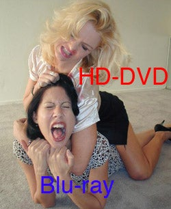 Illustration for article titled War Ends In 18 Months, Possibly with HD DVD Upset Victory Over Blu-ray