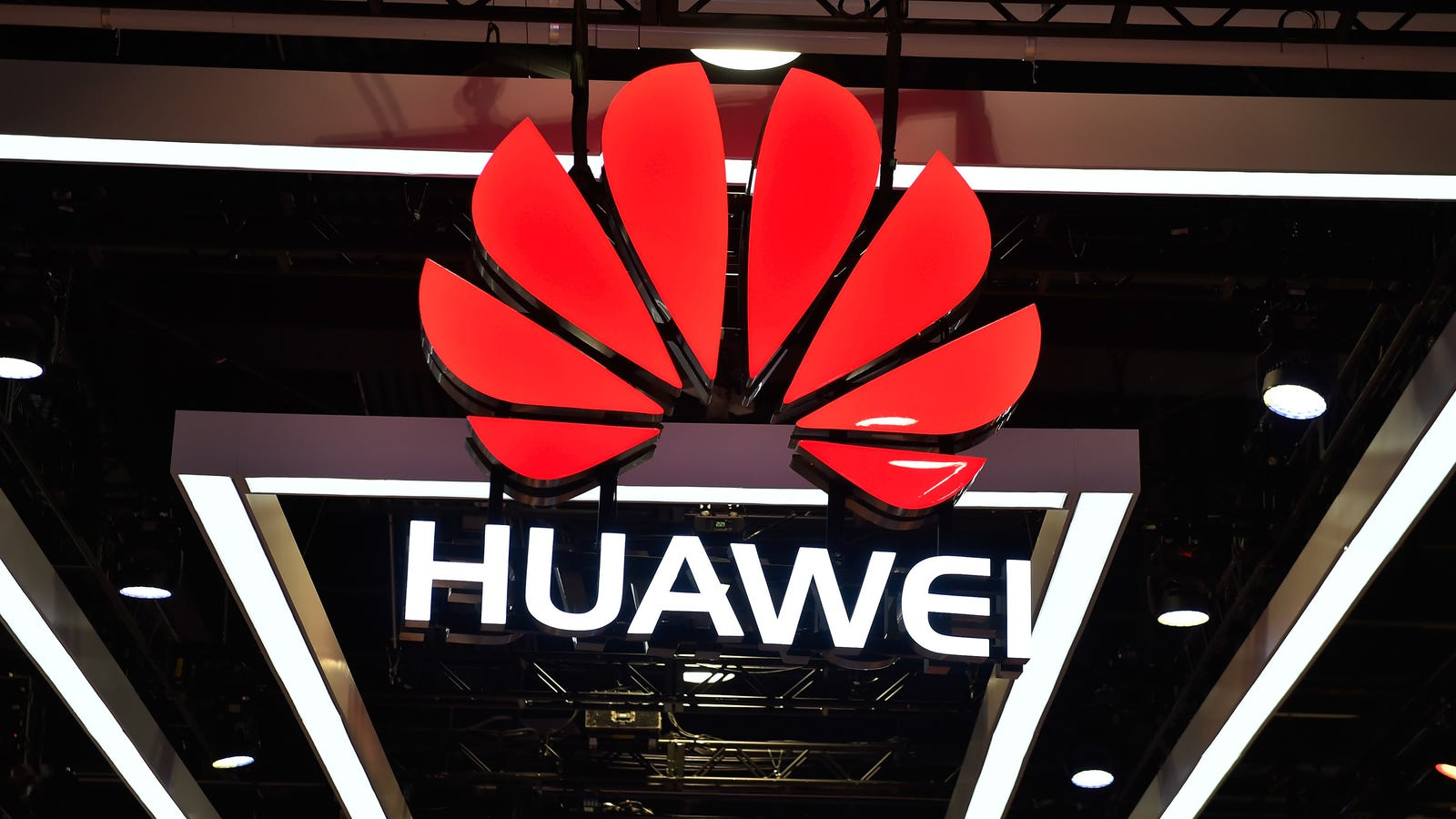 Scorned US Lawmakers Press Google on Relationship with Huawei