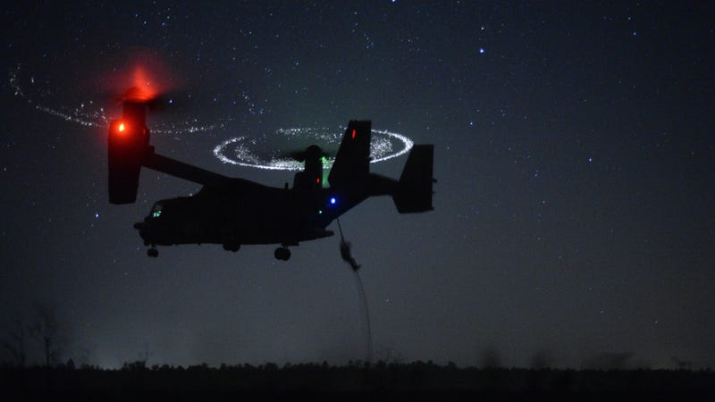 Illustration for article titled What's Up With These Flaming Halos Around This Osprey's Rotors?