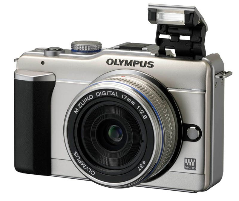 Illustration for article titled Olympus PEN E-PL1 Hands On: The Cheap Micro Four Thirds Camera for Everybody (with Flash!)