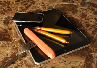 Illustration for article titled Sausage Stylus Review: A Surprisingly Useful iPad Accessory