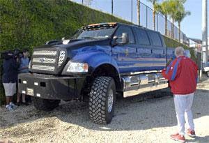 Illustration for article titled Jon Lieber Has A Big-Ass Truck