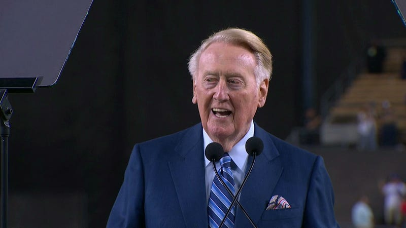 "Illustration for article titled ""C'mon, It's Just Me!"" Vin Scully Brings Down The House At Retirement Ceremony"