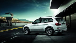 Test Drive: How Does the BMW X5 Hold Up in Extreme Winter Weather?