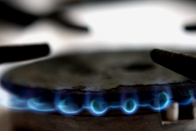 US Energy Use Hit a Record Low This Spring, But Natural Gas Tightened Its Grip