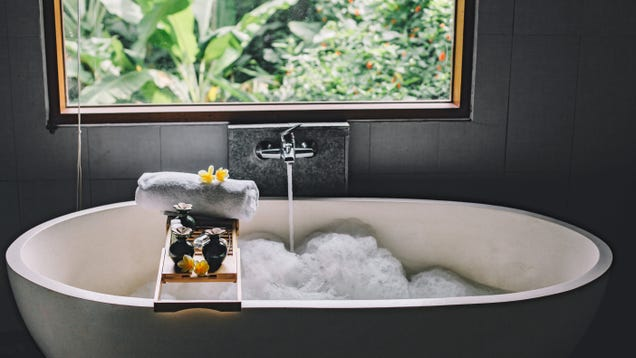 Take a More Luxurious Bath With a Bathtub Overflow Cover