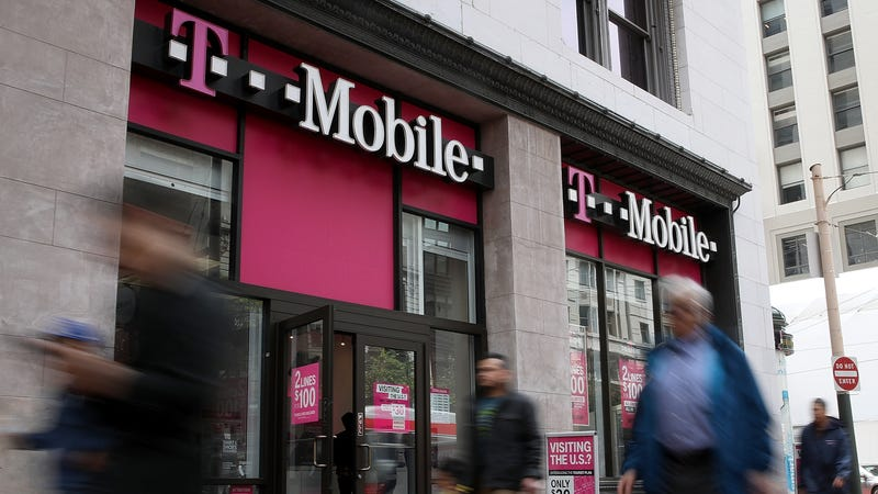 T-Mobile Customers: If You Got a Confusing Text About Phone