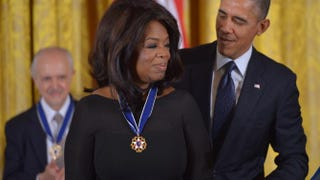 President Barack Obama presents the Presidential Medal of Freedom to Oprah Winfrey during a ceremony at White House, Nov. 20, 2013.MANDEL NGAN/AFP/Getty Images