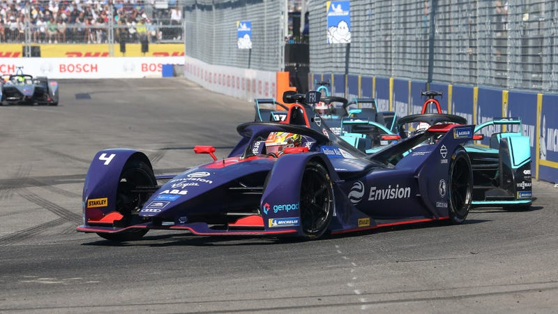 Robin Frijns, who won the second race of the New York City E-Prix, racing in Brooklyn.