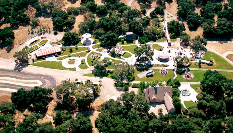 Illustration for article titled Rich Man Bids to Make Neverland Ranch a Sexual Assault Refuge for Kids