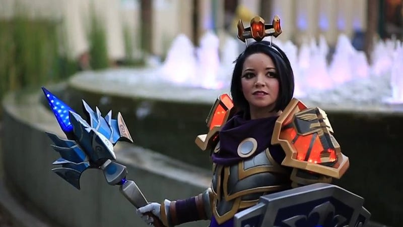 Illustration for article titled Cosplayer Beats WoW's Loot Drops By Building Her Own Armor
