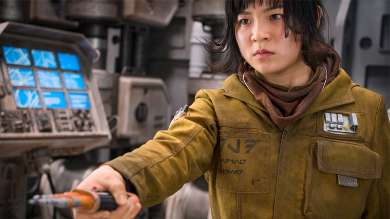 Rose Tico stands ready to stun the bejesus out of any deserters in Star Wars: The Last Jedi.