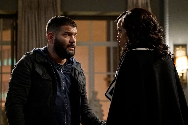 Huck (Guillermo Diaz) and Olivia (Kerry Washington) plot to kill Papa Pope. (Kelsey McNealABC)