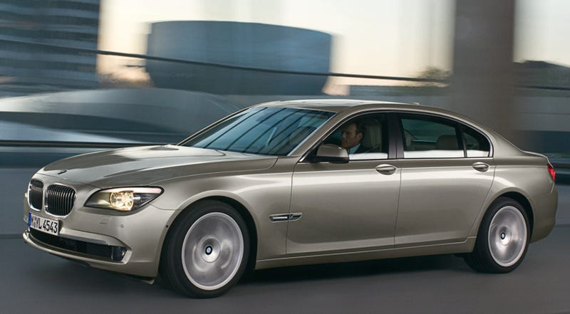 Illustration for article titled 2009 BMW 7-Series, Now With 400 HP Twin-Turbo V8