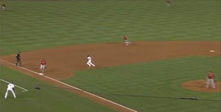 Illustration for article titled Dee Gordon Ends A Dodgers Threat By Running Into A Ground Ball