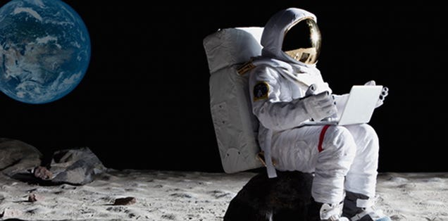 how does astronaut live in space - photo #17