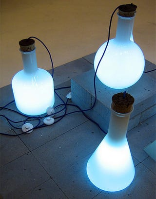 Illustration for article titled Decorate Science-Class-Style with Labware Lamps
