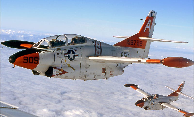 Illustration for article titled The Navy Finally Says Goodbye To The Tubby Little T-2 Buckeye Jet Trainer