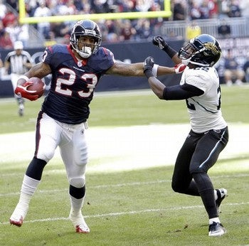 Illustration for article titled Arian Foster Is Humble, But Also Wouldn't Mind A Giant New Contract