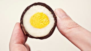 Illustration for article titled These DIY Candy Creme Eggs are a Huge Upgrade Over Cadbury's Version
