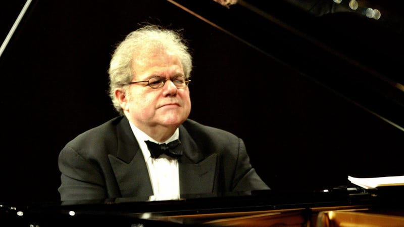 Illustration for article titled How Emanuel Ax Makes Piano Practice Less of a Slog