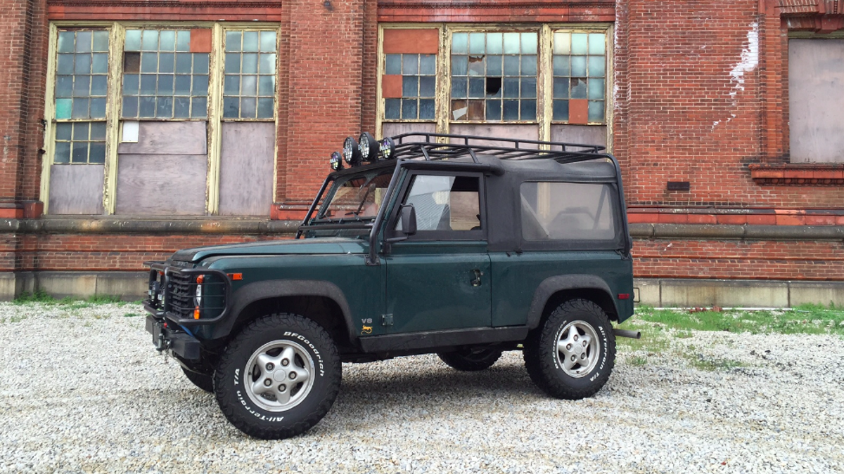 Heres Why The Land Rover Defender Costs 70000 Or More 1998 Discovery Parts
