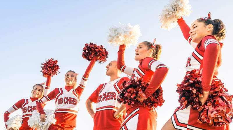 Illustration for article titled Cheerleader tried to win homecoming queen votes with pot brownies, police allege