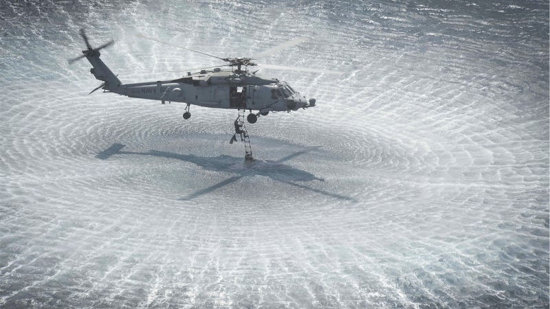 Illustration for article titled This Might Be the Perfect Photo of a Sea Hawk Helicopter