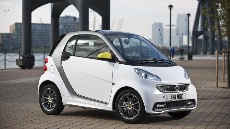 Illustration for article titled Adding Style And Colour To Urban Life – The smart fortwo BoConcept Cdition