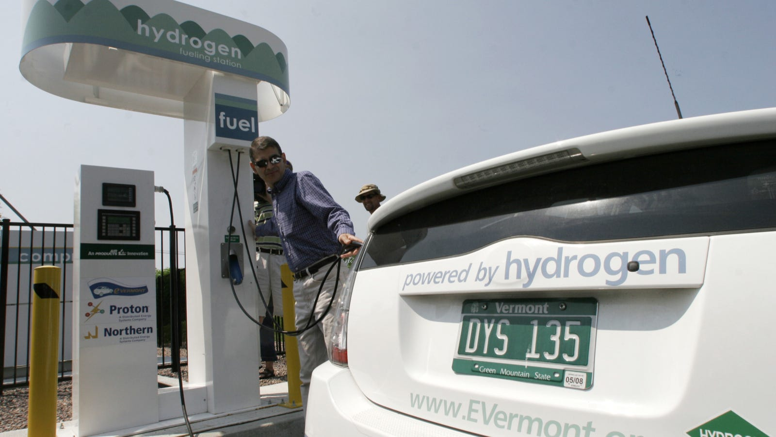 """Résultat de recherche d'images pour """"high tech gas pump"""""""