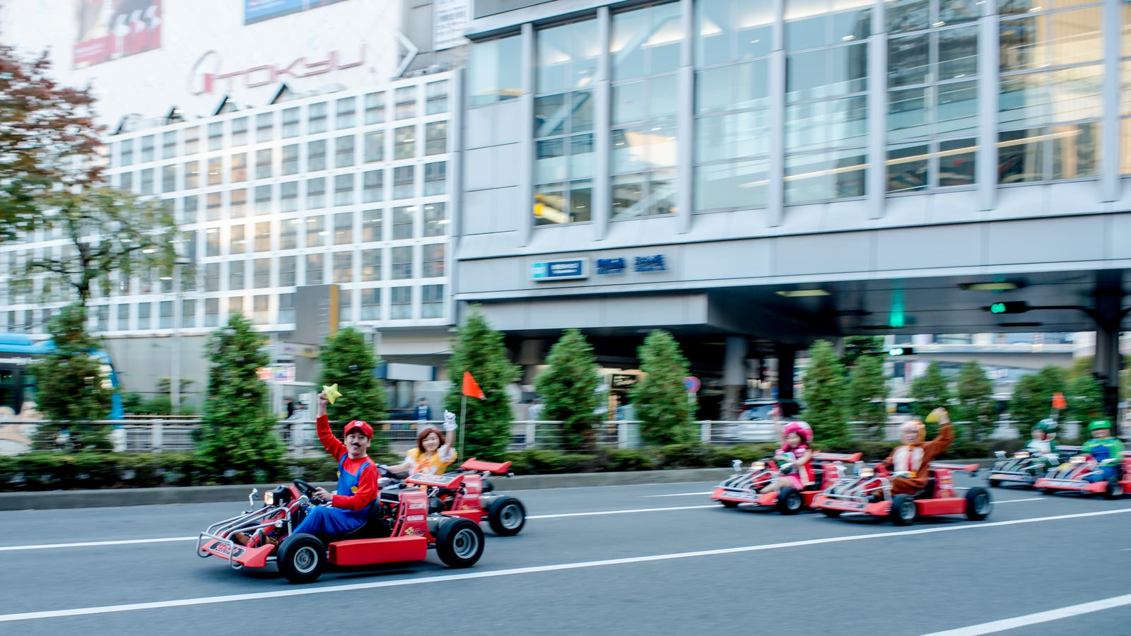 Mario Kart Drivers In Japan Will Soon Be Required To Wear Seat Belts