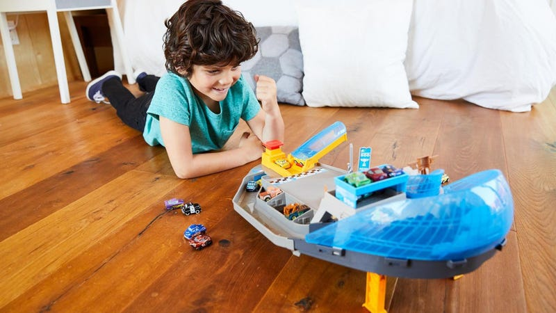 Disney Pixar Cars Mini Racers Rollin' Raceway Playset | $15 | Amazon and Walmart
