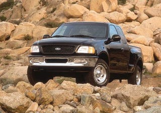 Illustration for article titled Mexicans Limited To Importing Cars From 1998, I Sold My Taurus Too Soon