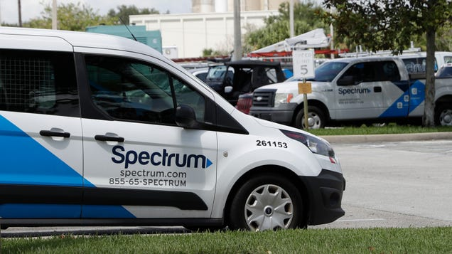 Charter Gives Spectrum Technicians Entering Homes During Pandemic $25 Gift Cards