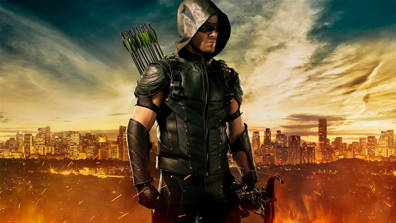 Illustration for article titled Stephen Amell's New Arrow Outfit is Pure Green Arrow Goodness
