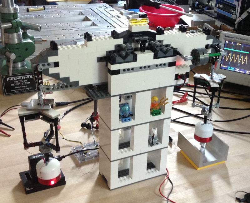Illustration for article titled These Scientists Rebuilt Lab Equipment Out Of Legos -- And It Works!