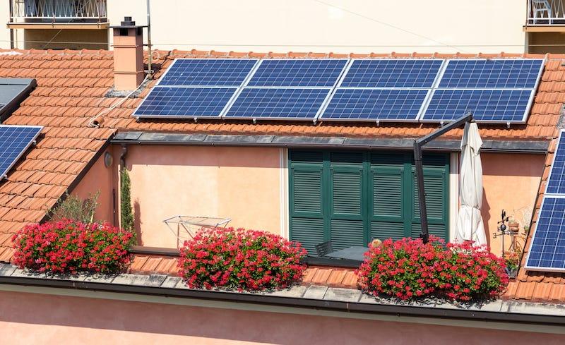 Illustration for article titled Aprobado el nuevo decreto de autoconsumo eléctrico, así afecta a los que producen energía