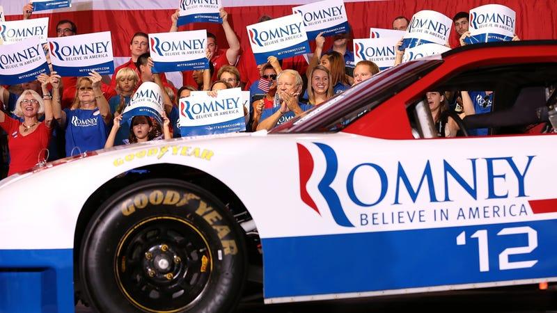 Illustration for article titled Poll Shows Barack Obama Leads Mitt Romney Among NASCAR Fans