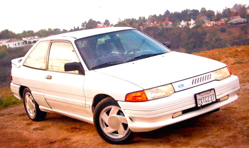 for 3 000 this 1991 ford escort gt says take me out rh jalopnik com 1989 Toyota Corolla 1989 Ford Fiesta