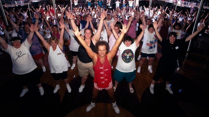 Richard Simmons on one of his Cruise To Lose cruises in the '90s. (Photo: Evan Hurd/Sygma/Sygma via Getty Images)
