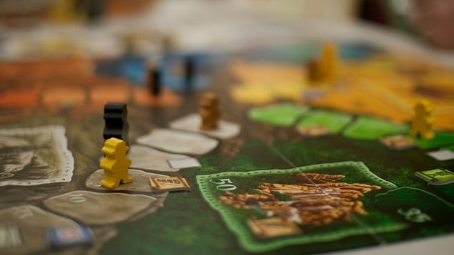Make Teaching Complex Board Games Easier by Setting Up Examples Beforehand